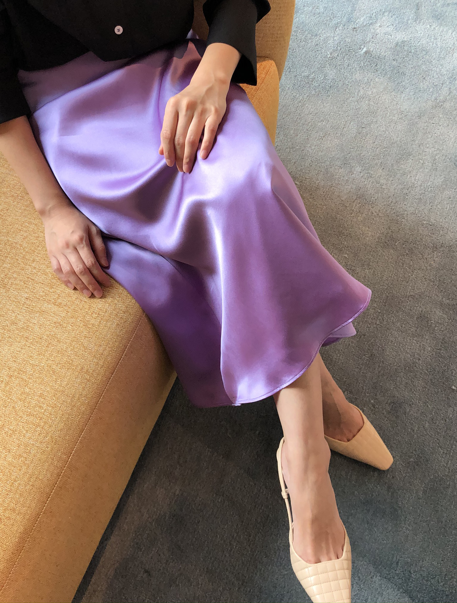 SILKY MIDI SKIRT in violet