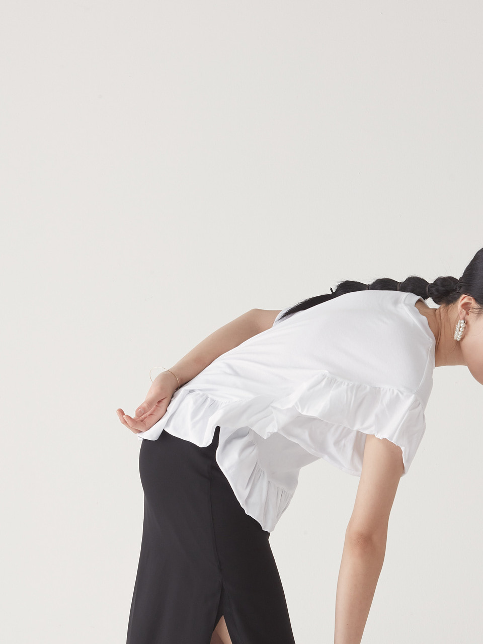 [20% SALE] FRILL TEE _ WHITE