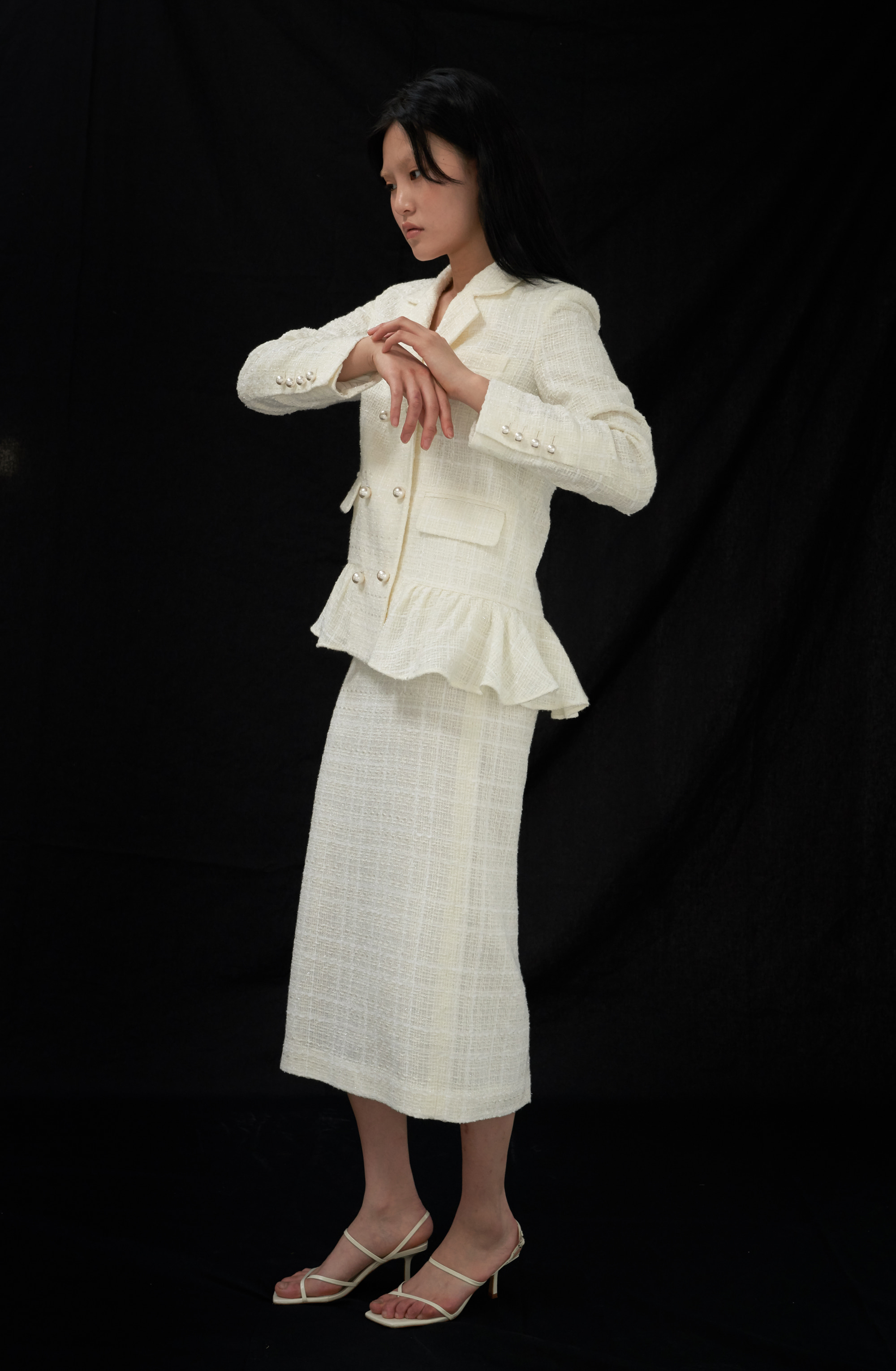 SIGNATURE PEPLUM JACKET _ IVORY TWEED