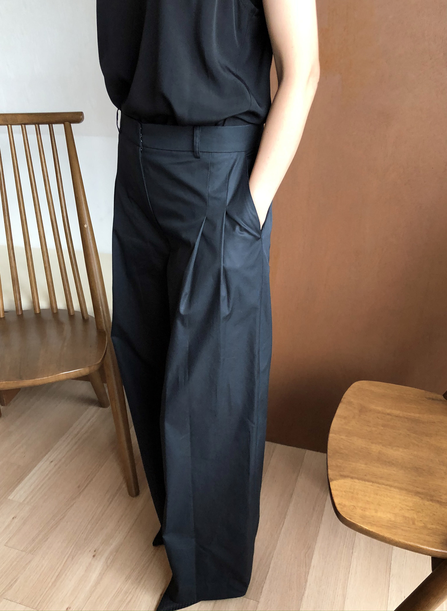 COTTON PIN TUCK PANTS